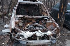 изоставена кола